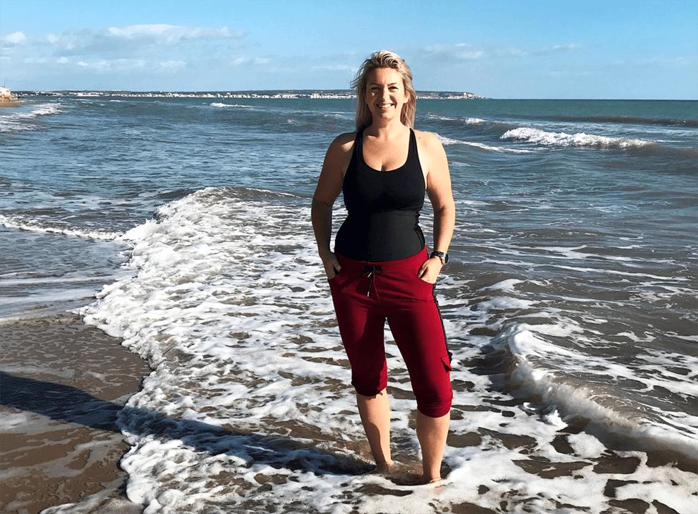 Plastika břicha po porodu (abdominoplastika) – zkušenosti paní Lívie (38)